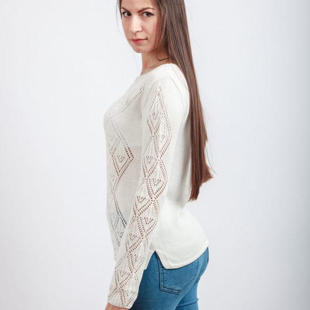 Ажурен пуловер