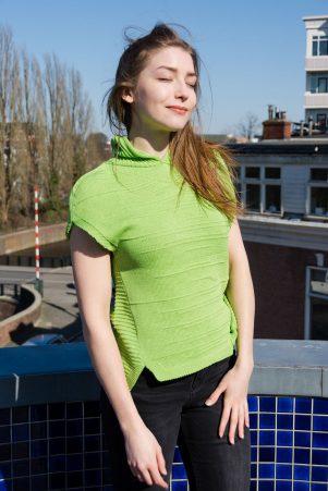 Плетен суитчър с качулка в зелено