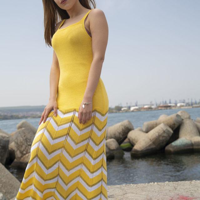 Плетена рокля Далия в жълто