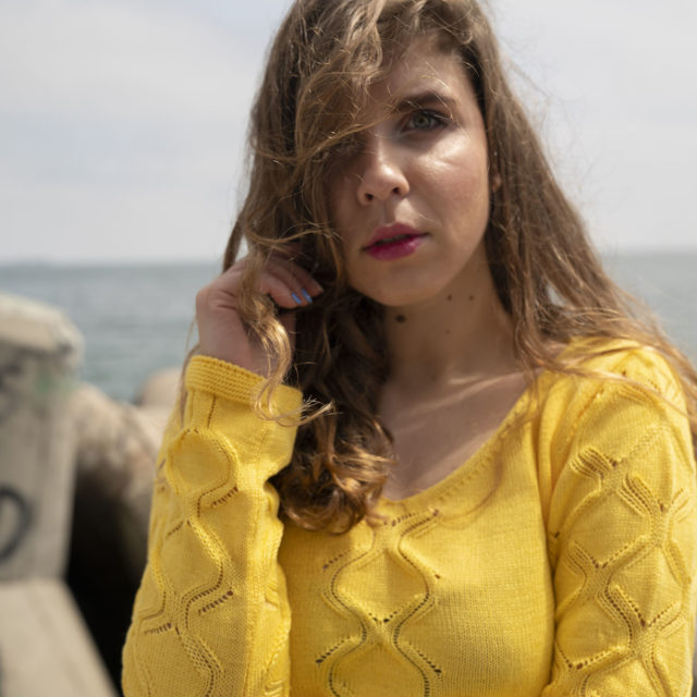 Пуловер Жасмин в жълто