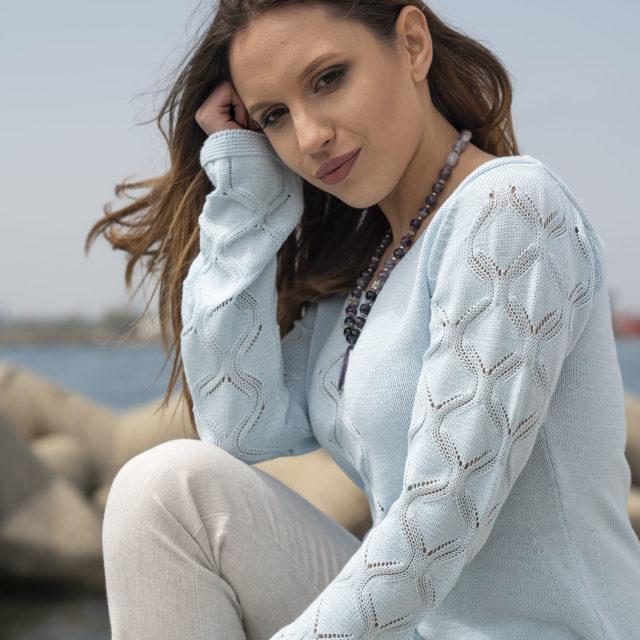 Пуловер Жасмин в синьо