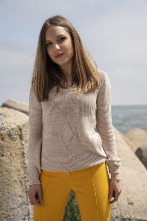 Пуловер Руби в бежово