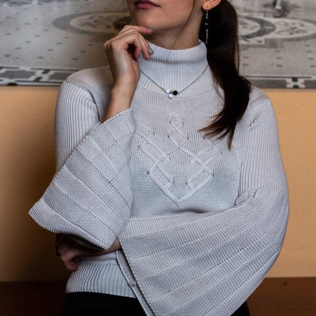 Пуловер Ния в бежово