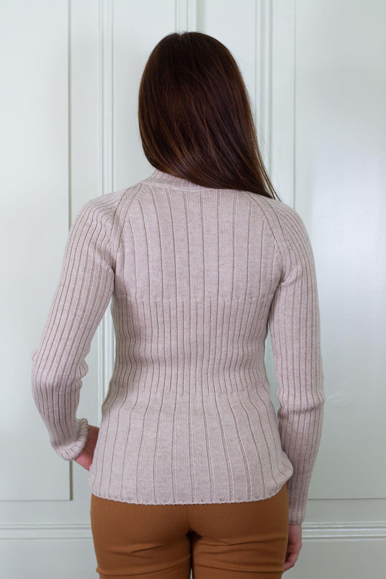 Пуловер Сузана в бежово