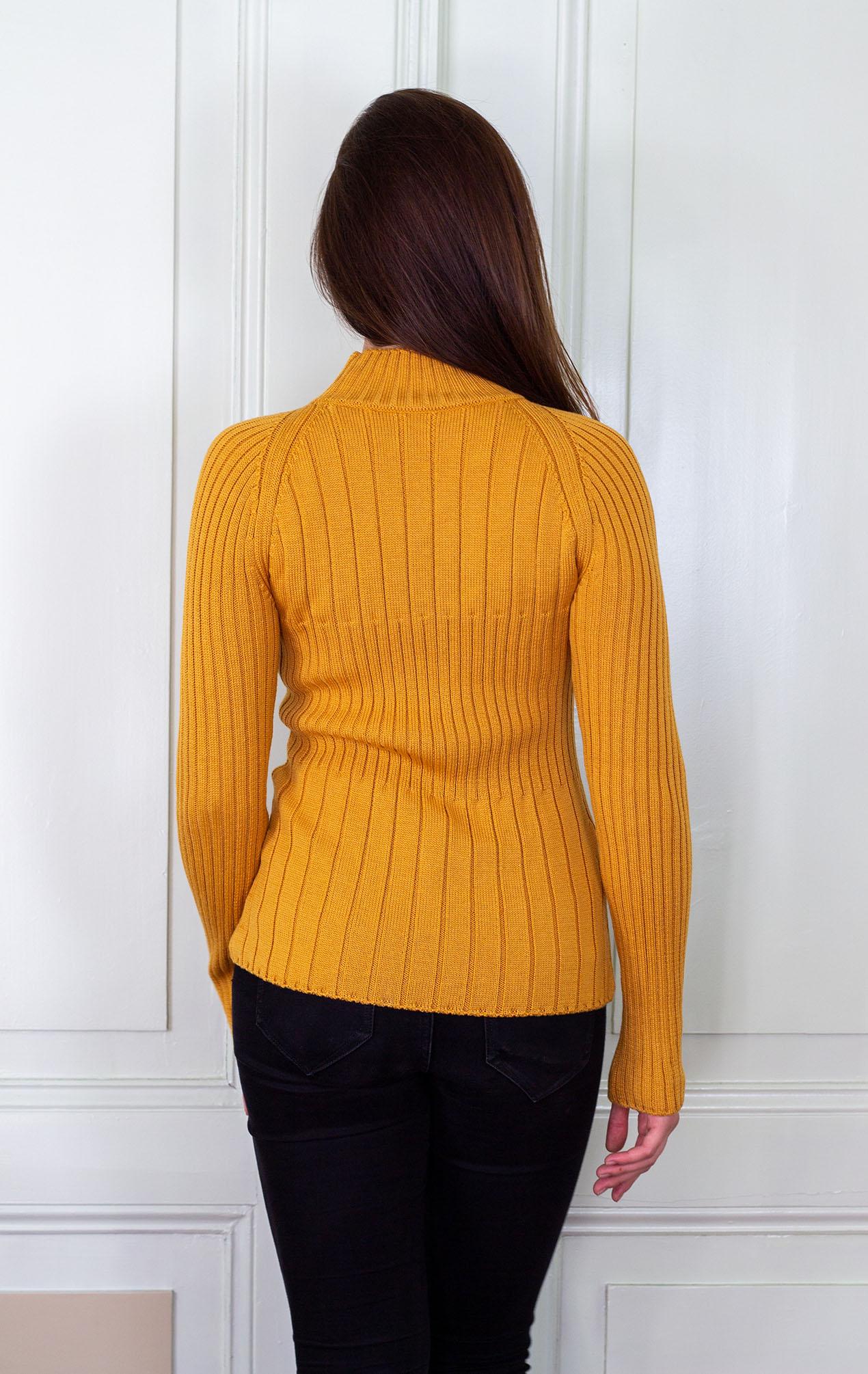 Пуловер Сузана в оранжево