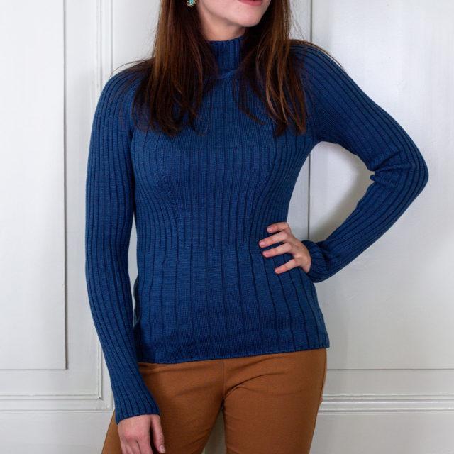 Пуловер Сузана в синьо