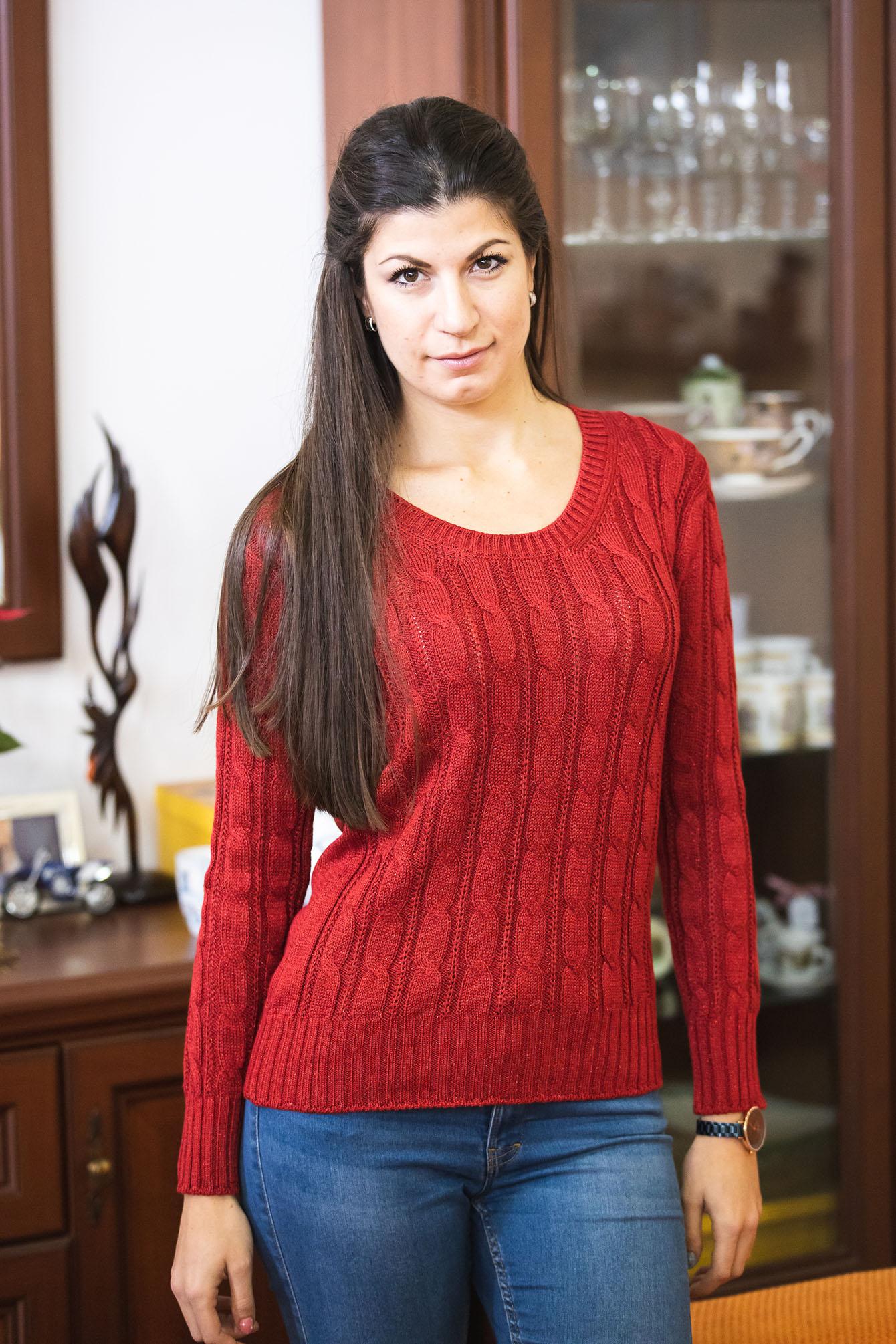 Пуловер Кали в червено 2