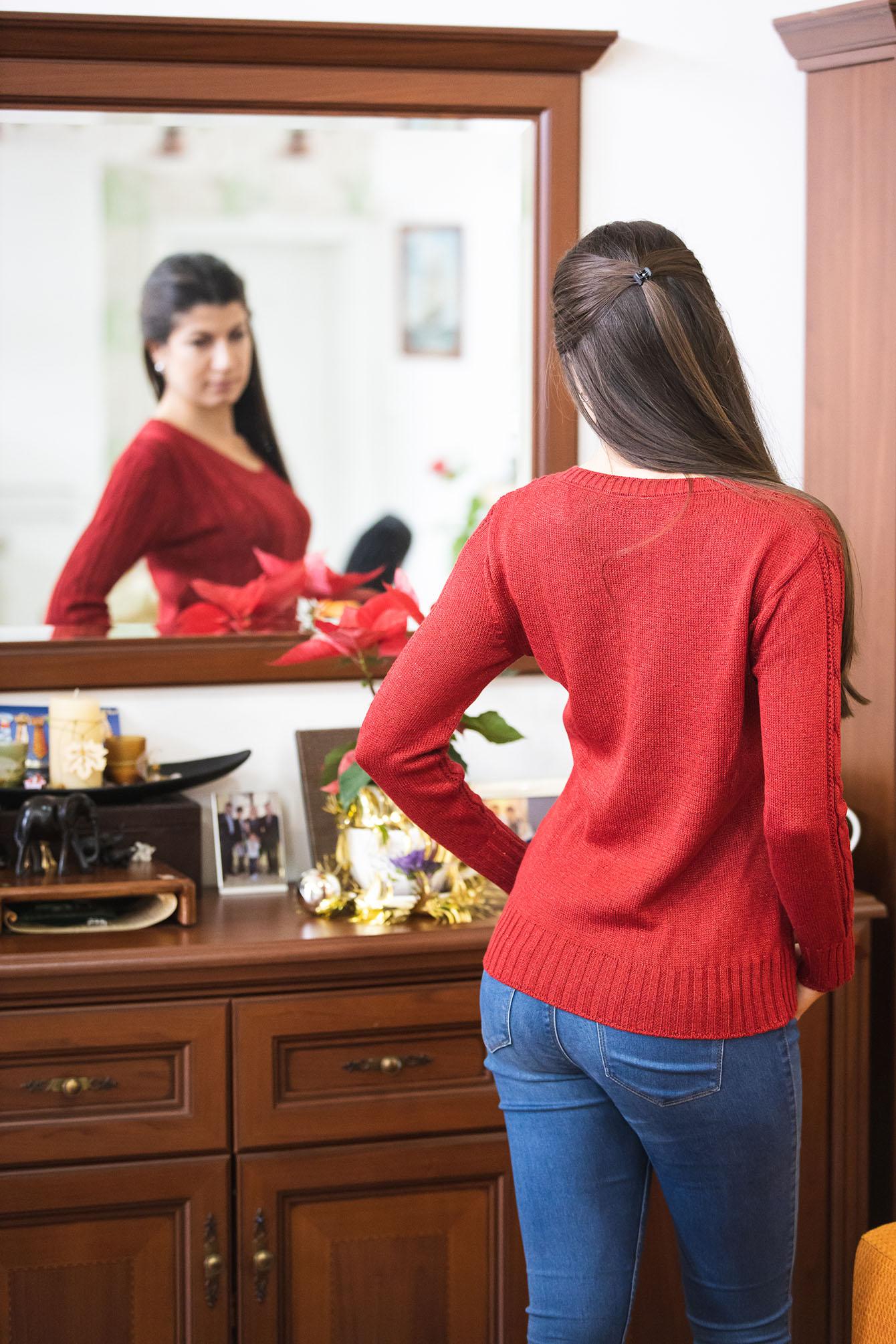 Пуловер Кали в червено 3