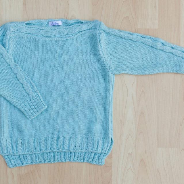 Пуловер с лодка деколте в синьо