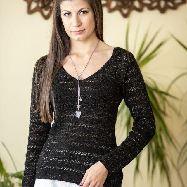 Пуловер Зора в черно 01