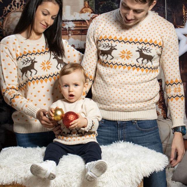 koledni puloveri za cqloto semeistvo