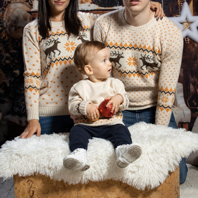 komplekt koledni puloveri za semeistvo