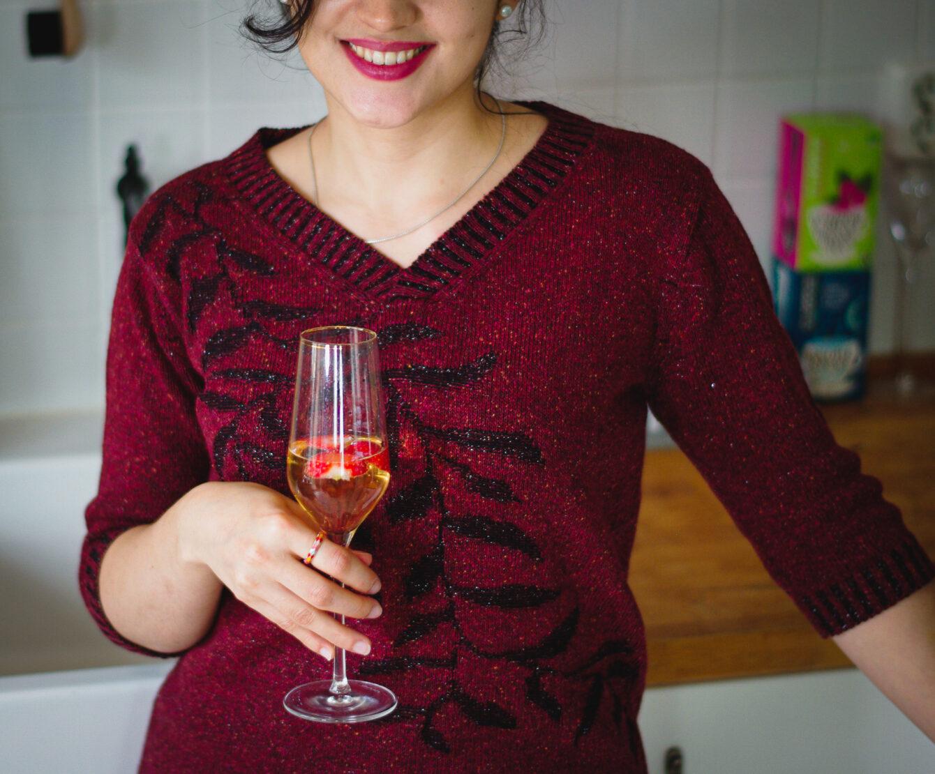 Плетена рокля с есенен мотив в червено-03