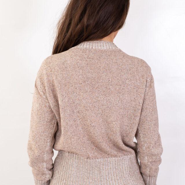 Пуловер с есенен мотив в бежово-02