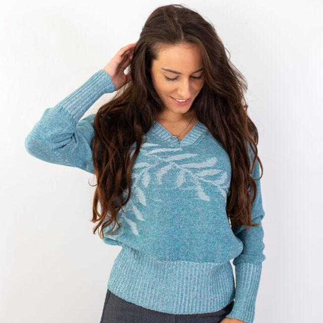 Пуловер с есенен мотив в синьо-01
